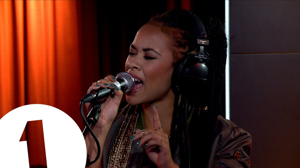 Melissa Steel – Kisses For Breakfast in the Live Lounge