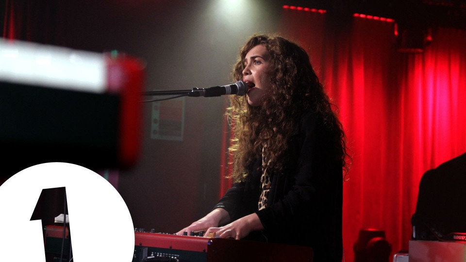 Rae Morris covers East 17's Stay Another Day in the Live Lounge