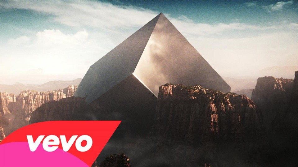 Eric Prydz VS CHVRCHES – Tether (Official Video)